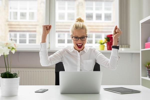 femme entrepreneure qui réussit